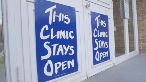 trapped-this-clinic-stays-open-1024x576